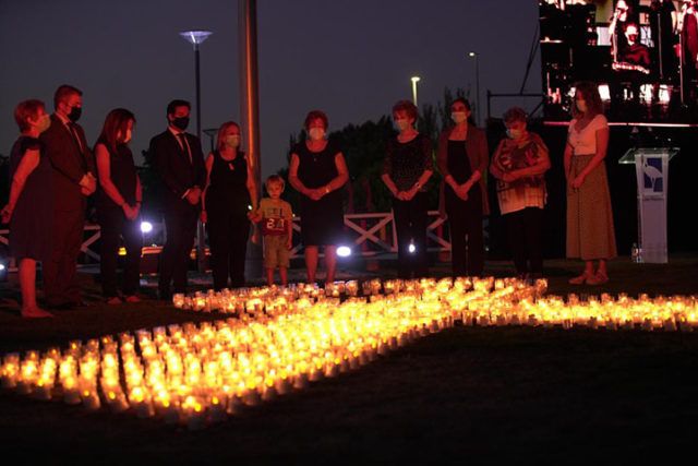 Homenaje a las víctimas, héroes de la primera línea y voluntarios de la pandemia con un emotivo acto